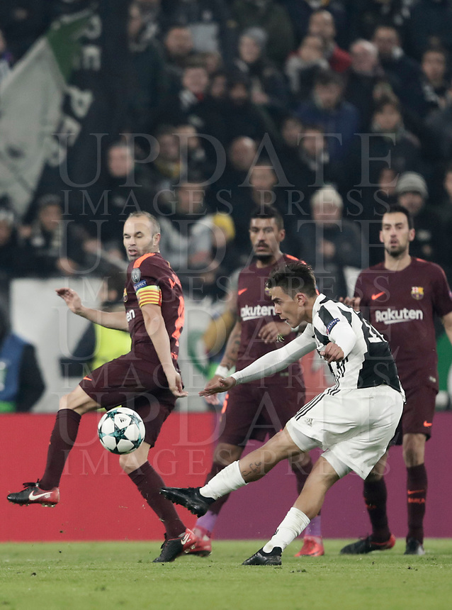 Football Soccer: UEFA Champions League Juventus vs FC Barcelona Allianz Stadium. Turin, Italy, November 22, 2017. <br /> Juventus' Paulo Dybala (r) in action with FC Barcelona's captain Andrés Iniesta (l) during the Uefa Champions League football soccer match between Juventus and FC Barcelona at Allianz Stadium in Turin, November 22, 2017.<br /> UPDATE IMAGES PRESS/Isabella Bonotto