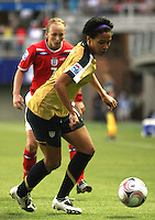 Chill·n, Chile: Americanís  forward,  Sydney Leroux  goes for the ball along with Toni Duggan England¥s team, during the  quarters-finals match, of the Fifa U-20 Womens World Cup the at Nelson Oyarz˙n stadium in Chill·n, on November 30, 2008. Photo by Grosnia / ISIphotos.com