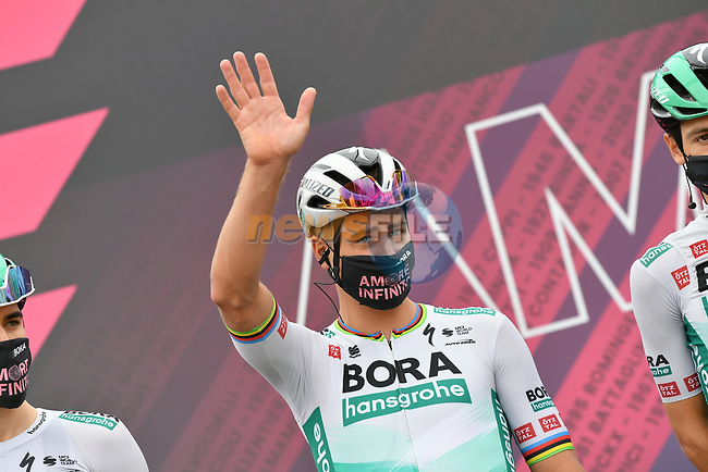 Peter Sagan (SVK) Bora-Hansgorhe at sign on before the start of Stage 2 of the 2021 Giro d'Italia, running 179km from Stupinigi (Nichelino) to Novara, Italy. 9th May 2021.  <br /> Picture: LaPresse/Gian Mattia D'Alberto | Cyclefile<br /> <br /> All photos usage must carry mandatory copyright credit (© Cyclefile | LaPresse/Gian Mattia D'Alberto)