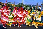Grupo de clovis em Bangú, suburbio do Rio de Janeiro. 1984. Foto de Juca Martins..