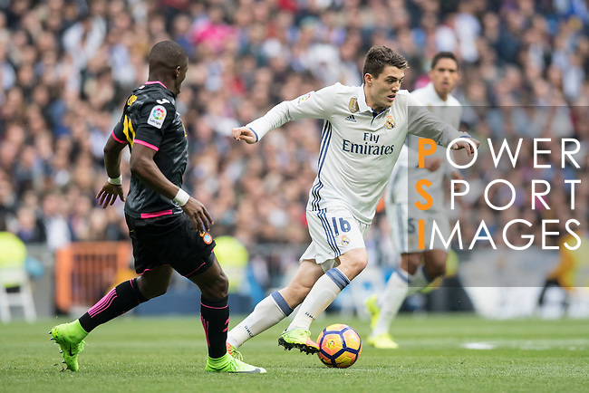 Mateo Kovacic of Real Madrid fights for the ball during the match Real Madrid vs RCD Espanyol, a La Liga match at the Santiago Bernabeu Stadium on 18 February 2017 in Madrid, Spain. Photo by Diego Gonzalez Souto / Power Sport Images