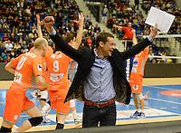 Knack Roeselare - Asse - Lennik : Asse-Lennik viert feest na het behalen van de 1-2 en bijhorende kwalificatie voor de finale . met coach Johan Devoghel (midden)<br /> foto VDB / BART VANDENBROUCKE