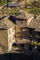 Italie, Val d'Aoste, Bard,  vue sur les toits du village depuis le Fort de Bard , Museo delle Alpi (musée des Alpes)   // Italy, Aosta Valley, view over the roofs of the village from the Fort of Bard, Museo delle Alpi (Alps Museum)