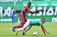 PALMIRA – COLOMBIA, 21-03-2021: Jhon Vasquez del Cali disputa el balón con Anderson Angulo del Deportes Tolima durante el partido entre Deportivo Cali y Deportes Tolima por la fecha 13 de la Liga BetPlay DIMAYOR 2021 jugado en el estadio Deportivo Cali de la ciudad de Palmira. / Jhon Vasquez of Cali vies for the ball with Anderson Angulo of Deportes Tolima during match between Deportivo Cali and Deportes Tolima for the date 13 as part of BetPlay DIMAYOR League 2021 played at the Deportivo Cali stadium in Palmira city. Photos: VizzorImage / Nelson Ríos / Cont.