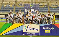 BARRANCABERMEJA-COLOMBIA, 19-10-2020: Jugadores de Rionegro Aguilas Doradas, posan para una foto, antes partido Alianza Petrolera y Rionegro Aguilas Doradas, de la fecha 15 por la Liga BetPlay DIMAYOR 2020 en el estadio Daniel Villa Zapata en la ciudad de Barrancabermeja. / Players of Rionegro Aguilas Doradas, pose for a photo, prior  a match between Alianza Petrolera and Rionegro Aguilas Doradas, of the 15th date for the BetPlay DIMAYOR League 2020 at the Daniel Villa Zapata stadium in Barrancabermeja city. Photo: VizzorImage  / Jose D. Martinez / Cont.