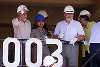 (esq. para dir)O governador Simão Jartene , operadora de halpack ( os maiores caminhões do mundo em operação na mina do Sossego) o  presidente Luiz Inácio Lula da Silva inauguram a industria de beneficiamento de cobre do Sossego da Cia Vale do Rio Doce .<br />Canaã dos Carajás, Pará Brasil.<br />02/07/2004.<br />Foto Paulo Santos/Interfoto