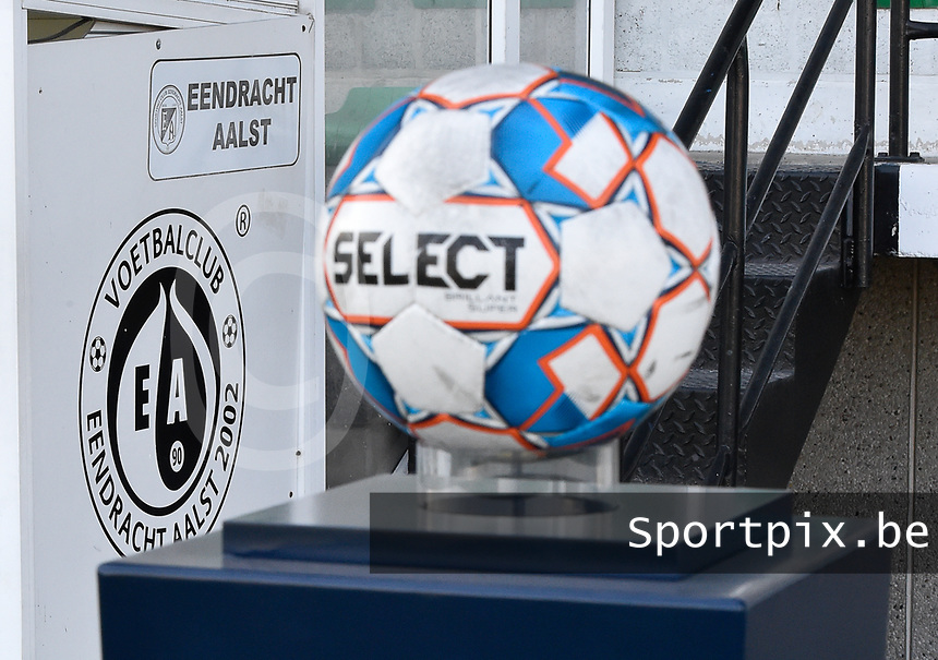 fanion of Eendracht Aalst with the matchball holder  pictured during a female soccer game between Eendracht Aalst and Racing Genk on the fifth matchday of the 2020 - 2021 season of Belgian Scooore Womens Super League , Saturday 28 th of November 2020  in Aalst , Belgium . PHOTO SPORTPIX.BE | SPP | DIRK VUYLSTEKE