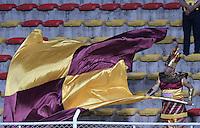 BOGOTÁ -COLOMBIA, 18-09-2016. Hincha del Tolima anima a su equipo durante el encuentro entre La Equidad y Deportes Tolima por la fecha 13 de la Liga Águila II 2016 jugado en el estadio Metropolitano de Techo de la ciudad de Bogotá./ Fan of Tolima cheers for their team during the match between La Equidad and Deportes Tolima for the date 13 of the Aguila League II 2016 played at Metropolitano de Techo stadium in Bogotá city. Photo: VizzorImage/ Gabriel Aponte / Staff