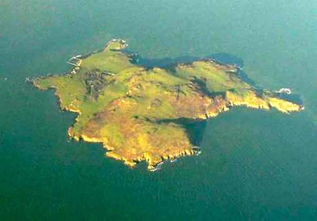 The magic island, yet it's almost within city limits. Lambay off the Fingal coast will be central to launching the new Howth YC season with the annual Lambay Race, scheduled for the earliest possible Saturday on June 12th.