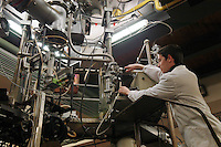 - CNR, Consiglio Nazionale delle Ricerche, INFN (Istituto Nazionale di Fisica Nucleare), laboratori nazionali di Legnaro (Padova)..acceleratore elettrostatico di ioni Van Der Graaf CN....- CNR, National Research Council, INFN (National Institute for Nuclear Physics), national laboratories of Legnaro (Padova)..ionian electrostatic accelerator Van Der Graaf CN