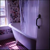 Bathtub<br />