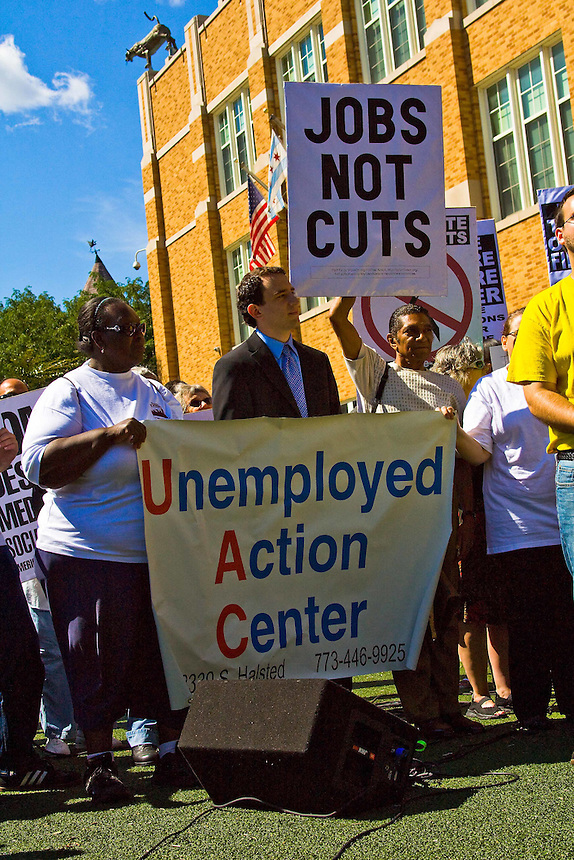 Unemployed Action Center is located in the Bridgeport neighborhood on Chicago's near south side. Some of the members took public transporation to the other end of the city to be present at the press conference called by 9th District Illinois Congresswoman Jan Schakowsky to announce her jobs creation plan. August 10th, 2011