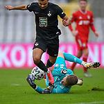 v.li.: Mohamed Morabet (Kaiserslautern, 27) scheitert an Ron-Thorben Hoffmann (Bayern München, FCB, 1) Zweikampf, Duell, duel, tackle, Dynamik, Action, Aktion beim Spiel in der 3. Liga, FC Bayern München II -1. FC Kaiserslautern.<br /> <br /> Foto © PIX-Sportfotos *** Foto ist honorarpflichtig! *** Auf Anfrage in hoeherer Qualitaet/Aufloesung. Belegexemplar erbeten. Veroeffentlichung ausschliesslich fuer journalistisch-publizistische Zwecke. For editorial use only. DFL regulations prohibit any use of photographs as image sequences and/or quasi-video.