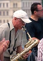 Musiker auf der Karlsbruecke (Karlov Most), Prag, Tschechien, Unesco-Weltkulturerbe.