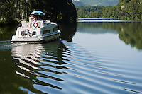 Europe/Europe/France/Midi-Pyrénées/46/Lot/Env de Parnac: tourisme fluvial dans la vallée du Lot et le Vignoble du Vin de Cahors [Autorisation : 2011-106] [Autorisation : 2011-107] [Autorisation : 2011-108]
