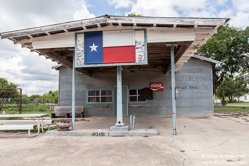 Old abandoned store in Turnersville, TX