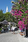 Turkey, Province Antalya, Kalkan: Bougainvillea and minaret in the old town | Tuerkei, Provinz Antalya, Kalkan: Altstadt mit Minarett und Bougainvillea