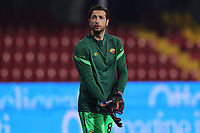 Antonio Mirante of AS Roma during the warm up prior to the Serie A football match between Benevento Calcio and AS Roma at Ciro Vigorito stadium in Benevento (Italy), February 21, 2021. <br /> Photo Cesare Purini / Insidefoto