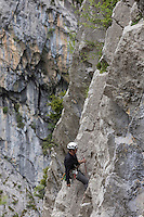 Europe, France, Aquitaine, Pyrénées-Atlantiques, Béarn, Vallée d'Aspe:  Escalade à la falaise de la Mâture  // Europe, France, Aquitaine, Pyrenees Atlantiques, Bearn, Aspe valley: climbing the Mature  cliff