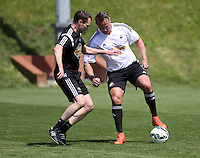 Pictured: Lee Trundle (R) Thursday 21 May 2015<br />