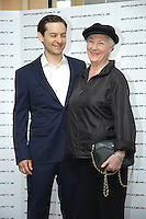 "TOBEY MAGUIRE & ROSEMARY HARRIS.Photocall for ""Spider-Man 3"" held at the Hotel Excelsior, Rome, Italy..April 24th, 2007.half length blue suit black top hat purse bag.CAP/CAV.©Luca Cavallari/Capital Pictures"