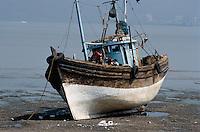 Fischerboot bei Elephanta, Bombay (Mumbai), Maharashtra, Indien.