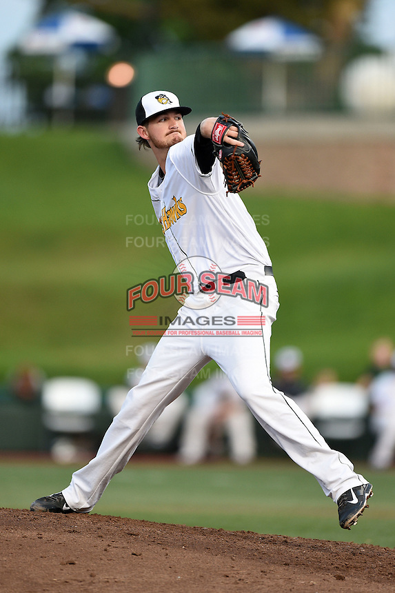 South Bend Silver Hawks pitcher Blake Perry (9) delivers a pitch during a game against the Dayton Dragons on August 20, 2014 at Four Winds Field in South Bend, Indiana.  Dayton defeated South Bend 5-3.  (Mike Janes/Four Seam Images)