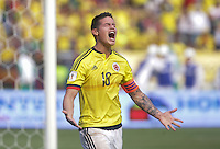 BARRANQUILLA - COLOMBIA -29-03-2016: James Rodriguez jugador de Colombia lamenta fallar para anotar un gol a Ecuador durante partido de la fecha 6 para la clasificación a la Copa Mundial de la FIFA Rusia 2018 jugado en el estadio Metropolitano Roberto Melendez en Barranquilla./  James Rodriguez  player of Colombia lament fail to score a goal to Ecuador during match of the date 6 for the qualifier to FIFA World Cup Russia 2018 played at Metropolitan stadium Roberto Melendez in Barranquilla. Photo: VizzorImage / Ivan Valencia / Cont