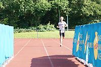 Zieleinlauf Tobias Erbacher als erster Teilnehmer - Mörfelden-Walldorf 18.07.2021: MoeWathlon