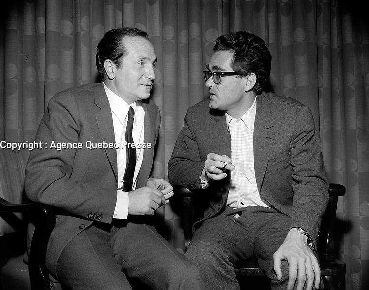 Sujet : Eddy Marnay et Michel Legrand<br /> Date : 3 décembre 1965<br /> <br /> © Agence Québec Presse, Fonds Photo Moderne