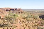Wattarrka ou King's Canyon National Park. Kings Canyon et ses falaises de grès  rouges de 100 m de haut  au coucher du soleil