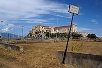 Isola di Pianosa. Pianosa Island. .Le targhe stradali dedicate ai morti ammazzati dalla mafia..The street signs dedicated to the dead killed by the Mafia..Giardini Rita Atria..