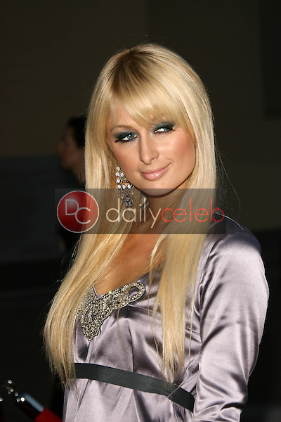 Paris Hilton<br />at the 34th Annual American Music Awards. Shrine Auditorium, Los Angeles, CA. 11-21-06<br />Dave Edwards/DailyCeleb.com 818-249-4998
