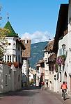 Italy, Alto Adige - Trentino (South Tyrol), Community Appiano sulla Strada del Vino, district San Michele: at village centre   Italien, Suedtirol, bei Bozen, Gemeinde Eppan Ortsteil St. Michael: im Dorfzentrum