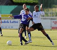 SC Oostrozebeke - FC Helkijn.duel tussen Mirco Malisse (links) en Jonathan Degryse (rechts).foto VDB / BART VANDENBROUCKE