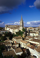 Saint Emilion, Bordeaux Wine Region, Gironde, France, Europe, Aquitaine, The medieval village of St. Emilion and Eglise Monolithe.