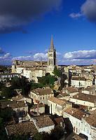 Saint Emilion, Bordeaux Wine Region, Gironde, France, Europe, Aquitaine, The medieval village of St. Emilion and Eglise Monolithe.