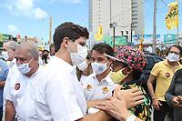 Recife (PE), 22/11/2020 - Eleições-Recife - Ciro Gomes vice-presidente nacional do (PDT), se reuniu com o candidato a Prefeitura do Recife, João Campos (PSB) na tarde deste domingo (22), no comitê do prefeiturável no bairro do Pina, zona sul da cidade. Ciro Gomes dividiu agenda com João Campos para reforçar o apoio à candidatura da chapa majoritária de João Campos (PSB) e Isabella de Roldão (PDT), à Prefeitura do Recife. Ciro chegou acompanhando no comitê do presidente nacional do Partido Democrático Trabalhista (PDT), Carlos Lupi e discursou para os militantes.