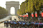 The peloton head up the Champs-Elysees toward the Arc de Triomphe during Stage 21 of the 2019 Tour de France running 128km from Rambouillet to Paris Champs-Elysees, France. 28th July 2019.<br /> Picture: ASO/Alex Broadway   Cyclefile<br /> All photos usage must carry mandatory copyright credit (© Cyclefile   ASO/Alex Broadway)