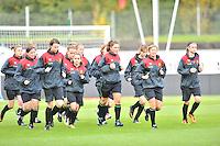 Iceland : UEFA Women's Euro Qualifying group stage (Group 3) - 21/09/2011 - 21:30CET (19:30 local time) - Laugardalsvöllur - Reykjavik : ICELAND (ijsland) - BELGIUM ( Belgie) : opwarming voor training..foto DAVID CATRY / Vrouwenteam.be