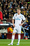 Toni Kroos of Real Madrid looks on during the La Liga 2017-18 match between FC Barcelona and Real Madrid at Camp Nou on May 06 2018 in Barcelona, Spain. Photo by Vicens Gimenez / Power Sport Images