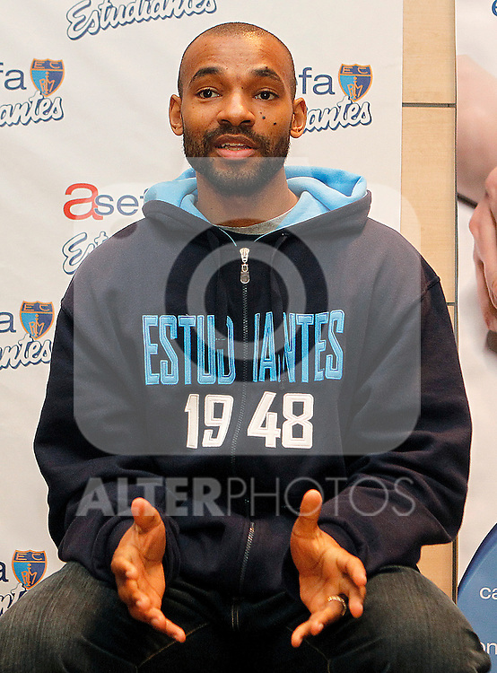 Asefa Estudiantes' new player Willie Deane during his official presentation. March 2, 2012. (ALTERPHOTOS/Acero)