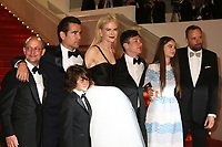PRODUCER ED GUINEY, COLIN FARRELL, SUNNY SULJIC, NICOLE KIDMAN, BARRY KEOGHAN, RAFFEY CASSIDY AND DIRECTOR YORGOS LANTHIMOS - RED CARPET OF THE FILM 'THE KILLING OF A SACRED DEER' AT THE 70TH FESTIVAL OF CANNES 2017 . CANNES, FRANCE, 22/05/2017. # 70EME FESTIVAL DE CANNES - RED CARPET 'MISE A MORT DU CERF SACRE'