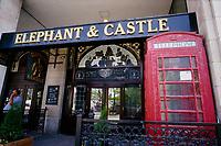 Ottawa (ON) CANADA - June 2008  File Photo - Eephant and Castle