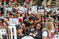 Sao Paulo, 10.01.2019 - ATO CONTRA O AUMENTO - O MPL (Movimento Passe Livre) organizou na tarde desta quinta-feira (10), o primeiro grande ato contra o aumento das tarifas do transporte publico, na regiao central de Sao Paulo; novos valores, de R$ 4,30, passaram a vigorar no ultimo dia 7.  (Foto: Carla Carniel/Código19)