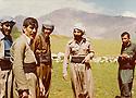 Iraq 1980  En avril, a Shenié, pres de Nazang,Mala Baktiar,Arsalan Baez et Shzikh Ali de Halabja