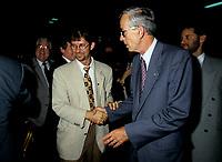 Le Docteur Rejean Thomas  et Jean Campeau<br /> , aout 1994 (date exacte inconnue)<br /> <br /> PHOTO :   Agence Quebec Presse