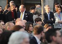 Der Starr der Deutschen Literaturkritiker Denis Scheck wurde vom Sicherheitsmann nicht zu seinem Platz im Publikum gelassen bei der Preisverleihung des Buchpreises, ihm wurde erst kurz vor Ende Zutritt verschafft durch die Presseverantwortliche der Buchmesse Ruth Justen - solange blieb DEM deutschen Literaturkritiker nur das Schauen von der Seite im Stehen. Leipziger Buchmesse 2014  .  Foto: aif / Norman Rembarz<br /> <br /> Jegliche kommerzielle wie redaktionelle Nutzung ist honorar- und mehrwertsteuerpflichtig! Persönlichkeitsrechte sind zu wahren. Es wird keine Haftung übernommen bei Verletzung von Rechten Dritter. Autoren-Nennung gem. §13 UrhGes. wird verlangt. Weitergabe an Dritte nur nach  vorheriger Absprache. Online-Nutzung ist separat kostenpflichtig.
