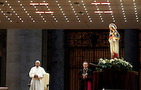 Papa Francesco prende parte alla recita del Santo Rosario per la conclusione del Mese Mariano, in Piazza San Pietro, Citta' del Vaticano, 31 maggio 2013.<br /> Pope Francis attends the recitation of the Holy Rosary for the conclusion of the month of Mary, in St. Peter's square at the Vatican, 31 May 2013.<br /> UPDATE IMAGES PRESS/Riccardo De Luca<br /> <br /> STRICTLY ONLY FOR EDITORIAL USE