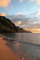 Ke'e Beach in the golden light of sunset, Ha'ena State Park, north shore of Kaua'i.